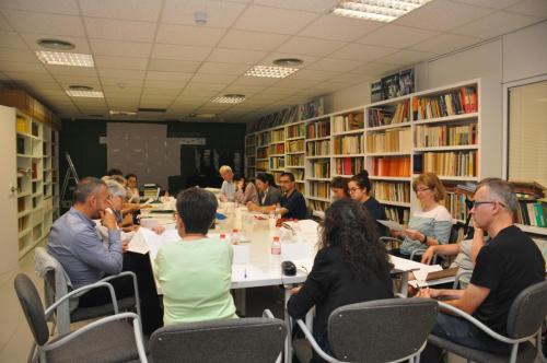 La primera reunión 8